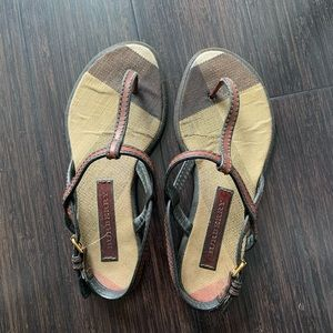 ✨Burberry Thong Sandals 💕💕